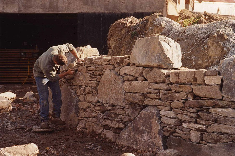 Clayton Babcock, building the German Barn stone wall, 2001, Photograph by Constance Kheel