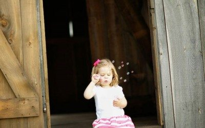 3-Year-Old's Adorable Photo Shoot